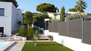 clôture de jardin extérieur en bois composite coloris gris anthracite