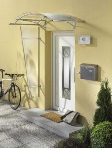 marquise de porte d'entrée pour maison moderne