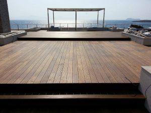 terrasse mccover monté sur plot réglable