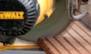 scie circulaire découpe de lame bois composite